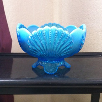 Berry Bowl - Glassware