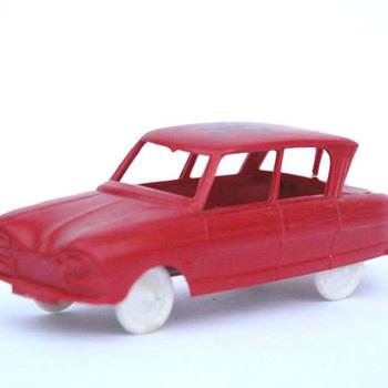 Voiture en plastique années 60 - SESAME CITROEN AMI 6 - Model Cars