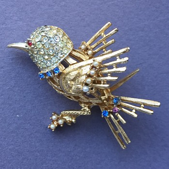 Coro Bird Brooch 1960s - Costume Jewelry
