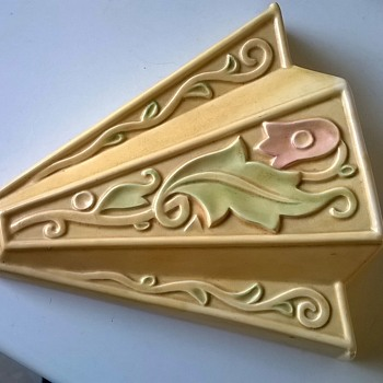 Art Deco Gothic WADE Heath England Wall Pocket Thrift Shop Find 1 Buck - Pottery