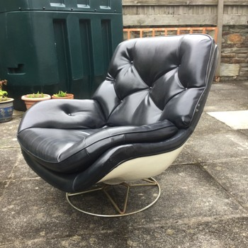Early 70's chair - Furniture