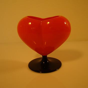 Red tango glass heart vase - Art Glass