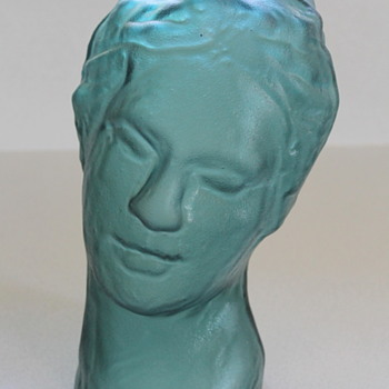 Moulded glass head from Japan - Art Glass