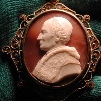 Rare cameo of Pope Leo XIII in original box - Victorian Era