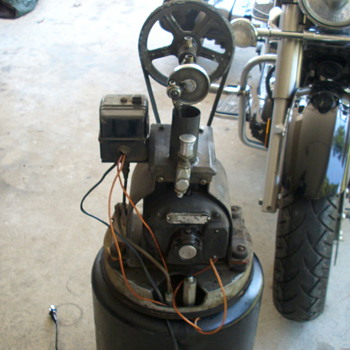 antique air compressor - Tools and Hardware