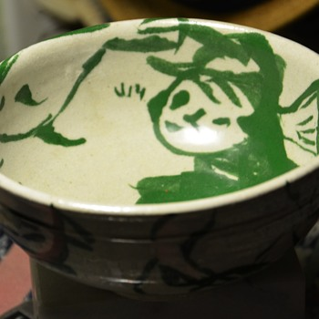 Another one of the amazing bowls w/ the squiggly signature.