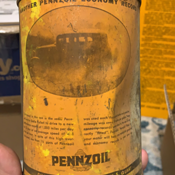 It's been awhile since I posted oil cans - Petroliana