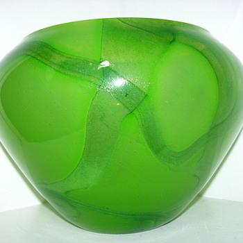 Massive Mid Century Uranium & Iron Oxide Bowl. Unusual Form Fabulous! Amazing Design! - Art Glass