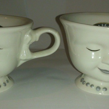 Pair of Bailey's Coffee cups signed by actress Helen Hunt for the Los Angeles Youth Network - Kitchen