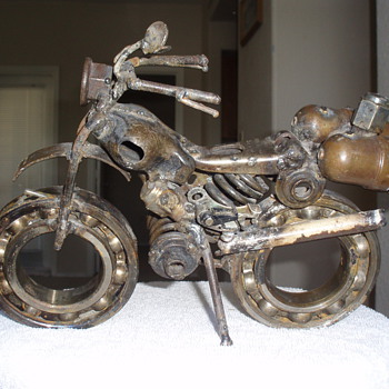 folk art motorcycle picked up at a yard sale, anyone have any info? - Model Cars