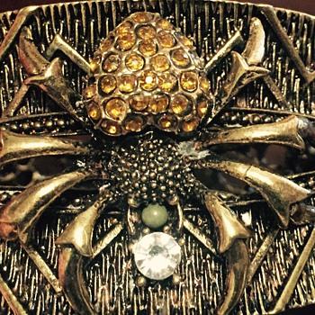 Spider braclet