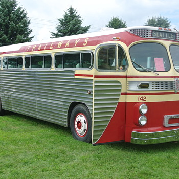 The Bus - A Continuation of My Bus Theme - Classic Cars