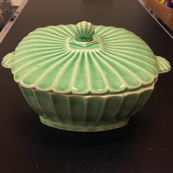 Beautiful Green colored Ceramic  bowl with top no markings??? - Art Deco