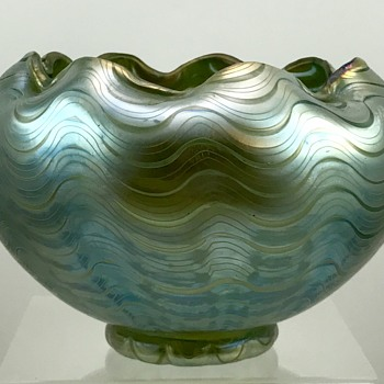 Loetz Bergblau (Mountain Blue) Phänomen Genre 6893 Bowl, ca. 1898 - Art Glass