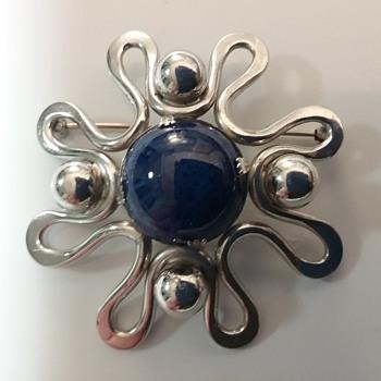 Napier 60s brooch & earrings set  - Costume Jewelry