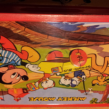 1954 Mickey mouse lunchbox  with a missmade seem