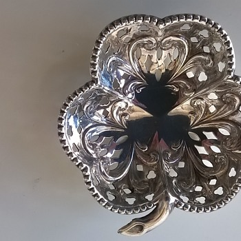Beautiful Little Pierced EPNS Pin Tray From England - Sewing