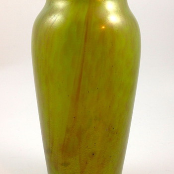 "Loetz ""New Wave Art Nouveau"" vase, ca. 1920s, Prod. Nr. Unknown - Art Glass"