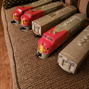 All Aboard! Santa Fe! - Model Trains