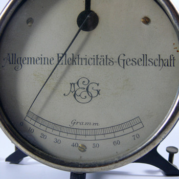 Peter Behrens AEG letter scale
