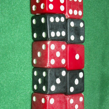 Vintage Bakelite Dice ~ Red & Black - Games