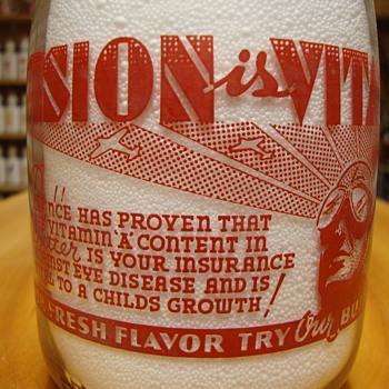 GOLDEN JERSEY CREAMERY...TEXAS...QUART WAR SLOGAN MILK BOTTLE - Bottles