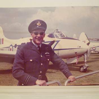 V.I.P.Pilot. Royal Visit. RAF Wyton, UK - Military and Wartime