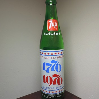 1975 7UP Bicentennial Soda Bottle ACL Kerr Glass - Bottles