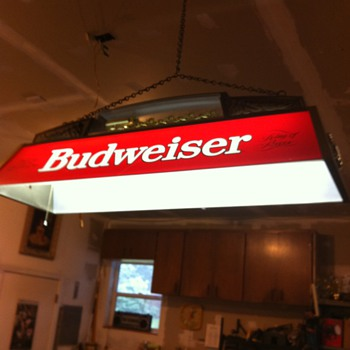 Early 80's Budweiser clydesdale pool table light