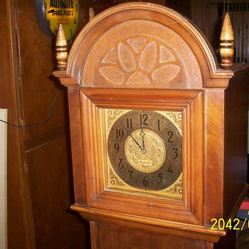 Majestic electric grandmother clock with radio - Clocks