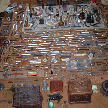 Lots of OLD CIGAR  cutters