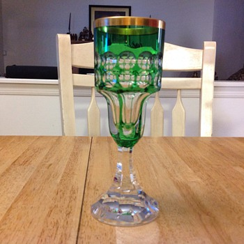 royal 1972 green glass  - Art Glass