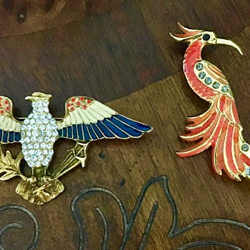 Bird brooches - Costume Jewelry