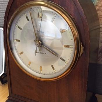 New Haven Elwood - Clocks