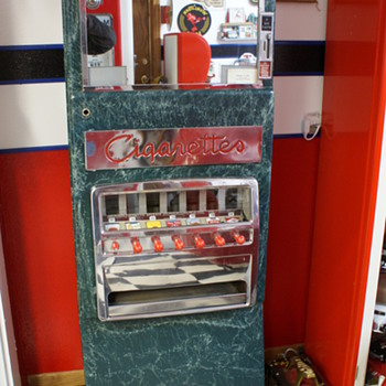 """""""Canteen"""" Cigarette Machine - Coin Operated"""