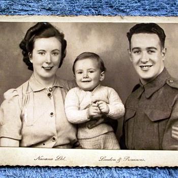1942-navana studios-london-parents/brother. - Military and Wartime