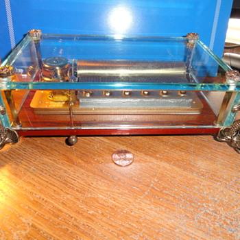 The DAUPHIN ( 3.72 ) Music Box by REUGE - Music Memorabilia