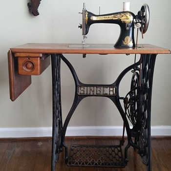 Vintage And Antique Singer Sewing Machines Collectors Weekly Adorable Value Of Singer Sewing Machines