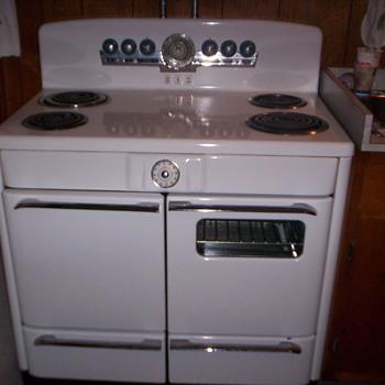 1951 Perfection Electric Range - Kitchen