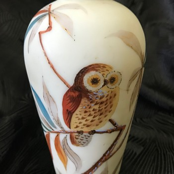 Victorian hand painted milk glass vase (featuring a magical owl) - Art Glass