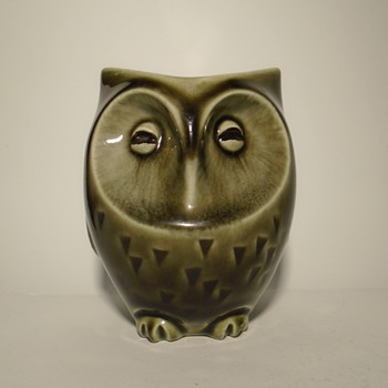 Ditmar Urbach 1930s ceramic owl money box -- Czechoslovakia - Animals