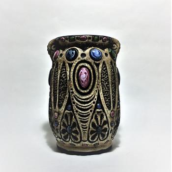 AMPHORA - CZECHOSLOVAKIA  C.1900-1920 - Pottery