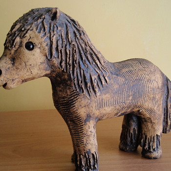 This mystery model of a horse, was discovered, during a house move.  HOW OLD IS IT.!!!! - Pottery