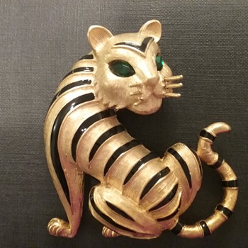 Trifari tiger brooch  - Costume Jewelry