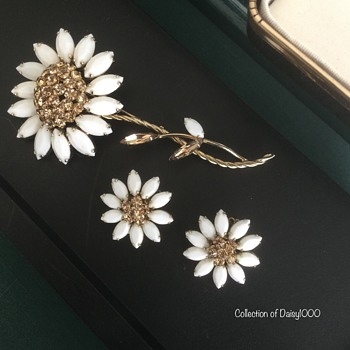 Sherman Flowers ... for Spring - Costume Jewelry