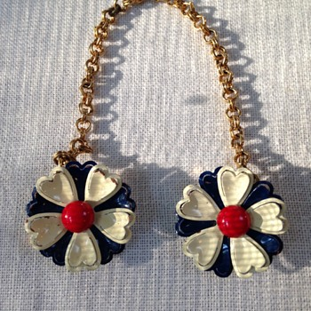 sweater chain with red, white and blue painted metal flowers  - Costume Jewelry