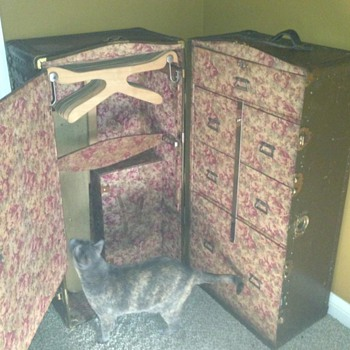 Murphy's St. Louis Wardrobe Trunk - Furniture