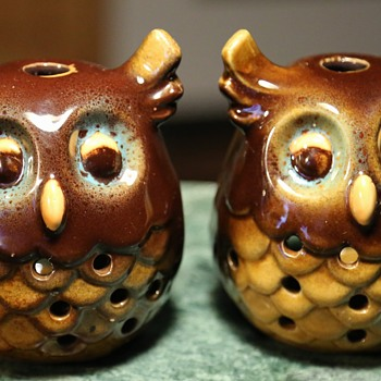 Two little owlet lamps? incense holders?   - Pottery
