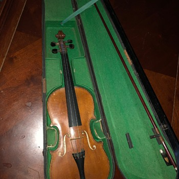 Vintage violin with famous name (case and bow) - Musical Instruments