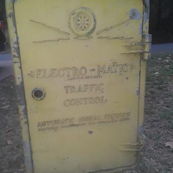 original ELECTRO-MATIC TRAFFIC CONTROL cabinet - Lamps